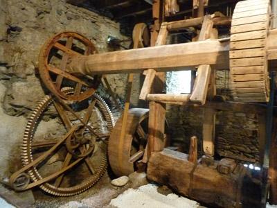 huile de noix moulin d'aigueblanche