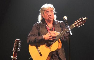 Octavio Sola, le plus chilien des chanteurs chambériens, artiste engagé, était un incontournable acteur de la soirée