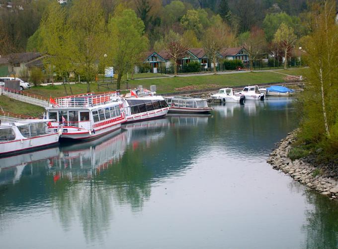 Bateaux sur le Canal de Savières © 123 Savoie
