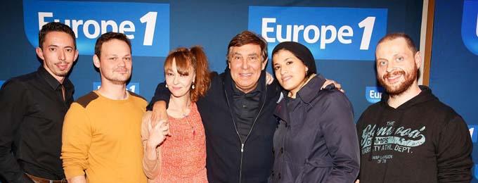 Jean-Pierre Foucault et les 5 finalistes du casting Europe 1 - Cyril Hanouna - © Marie Etchegoyen CAPA Europe 1