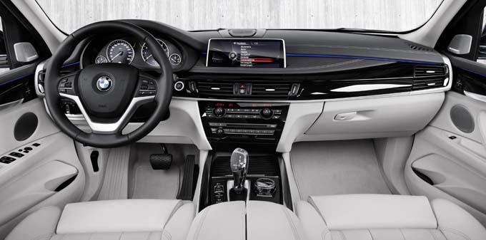 La nouvelle BMW X5 xDrive40e tableau de bord - © BMW 400