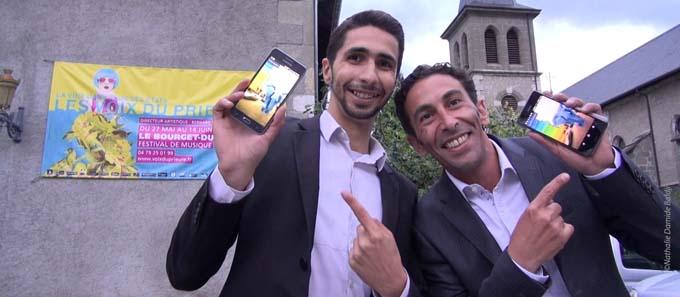 Razik (à droite) et Hichem (à gauche), deux citadins chambériens qui ont envie de valoriser leur ville et pousser les gens à s'interconnecter.