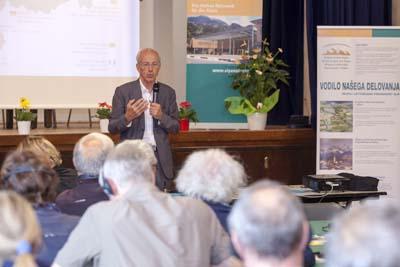 Bernard Soulage, Vice-Président de la Région Rhône-Alpes, présente la Stratégie de l'Union européenne pour la Région alpine (SUERA).
