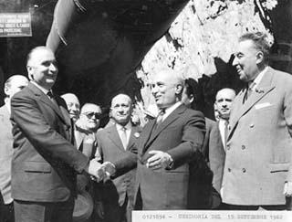 Cérémonie officielle 15 septembre 1962 - Georges Pompidou et Amintore Fanfani