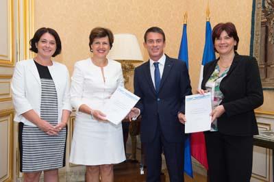 Sylvia Pinel, Annie Genevard, Manuel Valls et Bernadette Laclais - Rapport Loi Montagne II - © Granier