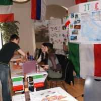 14-stand-italie