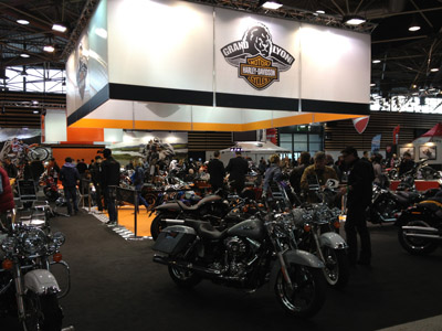 salon du 2 roues stand harley davidson photo 400x300. Black Bedroom Furniture Sets. Home Design Ideas