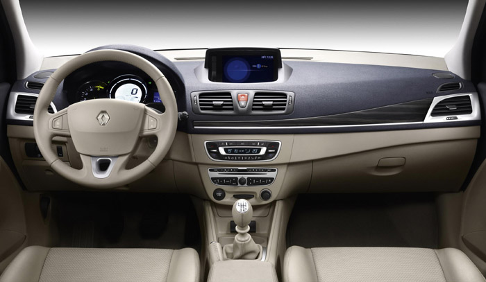 Int rieur nouvelle renault m gane photo 700x407 for Renault gamme t interieur