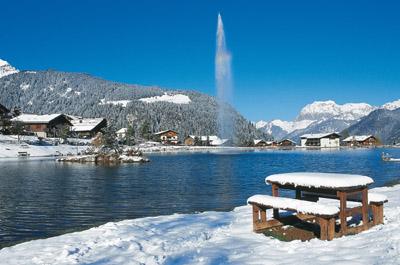 Lac de vonnes photo 400x265 - Office de tourisme chatel 74 ...