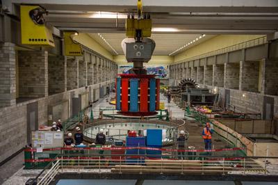 Déplacement du rotor - Centrale de la Bâthie - © EDF - Pascal Tournaire