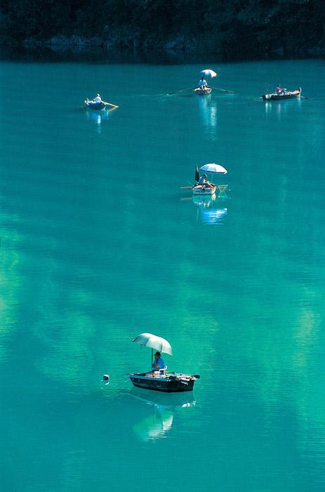 Pécheurs sur le lac d'Aiguebelette © Jean Dufresne