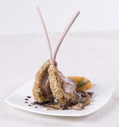 Carré d'agneau en croûte de pain d'épices des Compagnons du Goût