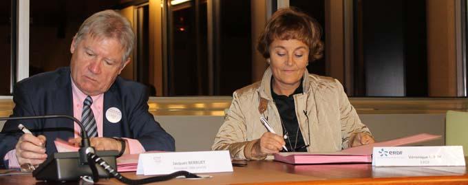 Jacques Berruet, Président de la CMA de la Savoie et Véronique Leroy, adjointe de Christophe Arnoux, directeur ERDF Savoie - © Sergio Palumbo - 123 Savoie
