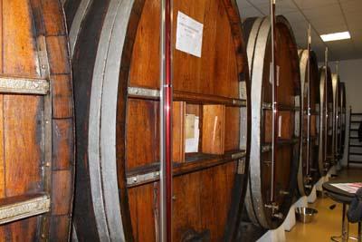 Distillerie des Alpes - Fûts de Vermouth rouge - © Sergio Palumbo - 123 Savoie