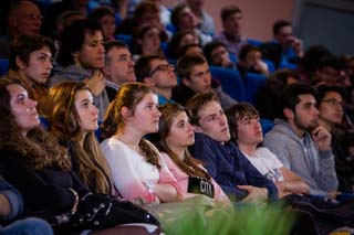 Un public très attentif - Ondes gravitationnelles - © Université Savoie Mont Blanc