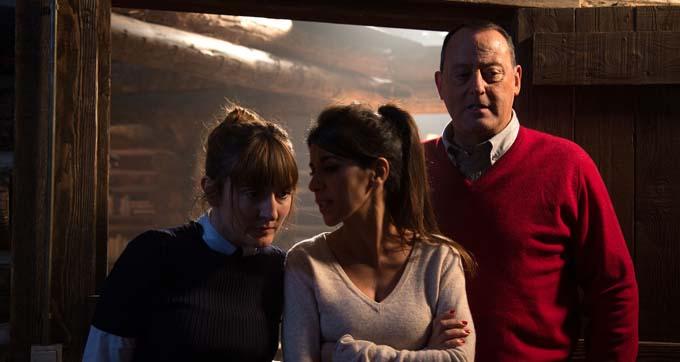 Camille Chamoux, Reem Kherici et Jean Reno - © Eric Travers - Radar Films