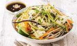 Salade de spaghetti de légumes, lamelles de Reblochon
